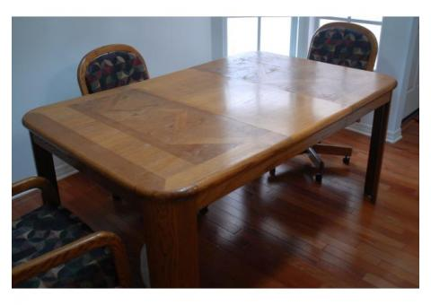 Dining Room or kitchen Table., leaf and 4 chairs
